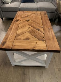 Herringbone farmhouse coffee table for the wife. - Herringbone farmhouse coffee table for the wife. Chevron Coffee Tables, Rustic Coffee Tables, Cool Coffee Tables, Coffee Table Design, Kids Woodworking Projects, Diy Wooden Projects, Diy Furniture Projects, Woodworking Plans, Furniture Plans
