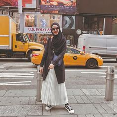 67 ideas skirt pleated outfits winter chic for 2019 Casual Hijab Outfit, Casual Skirt Outfits, Hijab Chic, Hijab Dress, Fashion Blogger Instagram, Style Instagram, Hijab Style Tutorial, Skirt Fashion, Fashion Outfits