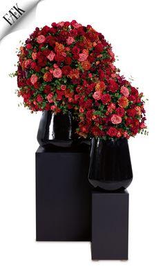 Flowers Moulin Rouge Big & Medium Artikelnummer: 7040 & 7041 Fake flowers - red orange- artificiële bloemen - rood oranje - rental - huren verhuur - events - evenementen - party - feest