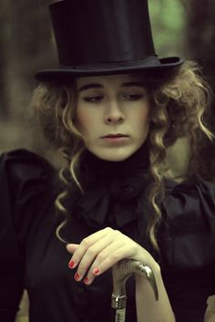 gothfashion:    old-fashioned heart. by ~mala-lesbia on deviantART    (via lexmachina)