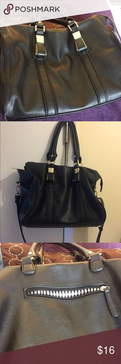 Black stylish bag This bag is very versatile, can be worn as a shoulder bag or cross body with the long strap. Has lots of space and inside pockets. Perfect for a busy lady on the go Bags Shoulder Bags