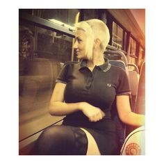 Jungle of Minnesota Fille Skinhead, Skinhead Girl, Skinhead Fashion, Skinhead Style, Chelsea Cut, Chelsea Girls, Fred Perry, Polo Shirt Girl, Mod Girl