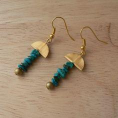 """BO """"Turquoise moon"""" turquoises (pierres de gemme) et aluminium or : Boucles d'oreille par pipit-farlouse"""