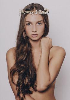 flower-crown-hair-makeup-bridal-wedding-inspiration10