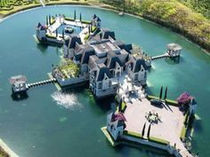 Castle + private lake = one of a kind luxury castles architecture chateau Palaces, Homestead House, Homestead Florida, Huge Houses, Dream Houses, My Dream Home, Future House, Homesteading, Luxury Homes