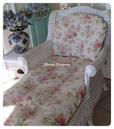 Sharing Shadymont Cottage Style Decor, Shabby Cottage, Shabby Chic Homes, Cottage Chic, Country Decor, Country Living, Country Style, Cottage Furniture, Wicker Furniture