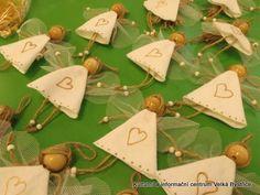Vánoční jarmark Easy Christmas Crafts, Simple Christmas, Christmas Gifts, Christmas Decorations, Christmas Ornaments, Angel Ornaments, Felt Ornaments, Diy Angels, Dollar Bill Origami