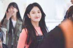 180416 HND #이서연 #Seoyeon #fromis_9 South Korean Girls, Korean Girl Groups, Soyeon, Extended Play, K Idols, How To Relieve Stress, Girl Crushes, Kpop Girls, Fangirl