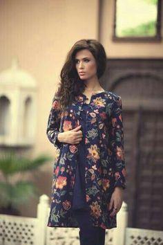 Red And Black Beautiful Clicks Of Dr Shaista Lodhi Today At Sitaray Ki Subha Pakistan