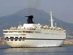 Italian cruise ship fends off pirates with gunfire Safari Adventure, African Safari, East Africa, Pirates, Places To Go, Coast, Vacation, World, 500 Miles