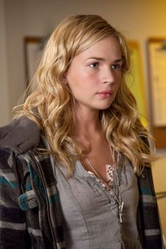 Britt Robertson as Lux Cassidy on Life Unexpected