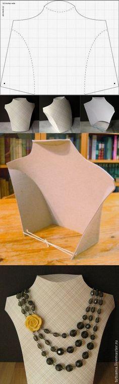 Пара очень простых манекенов для демонстрации бижу с шаблонами, которые по-моему может сделать любой новичок. Сама бижу не увлекаюсь. Но эти манекенчики показались такими симпатичными и легкими в исполнении, что подумала - кому-нибудь обязательно пригодятся. Переносим шаблон на миллиметровую бумагу, вырезаем, переносим на картон, картон обклеиваем любой понравившейся вам бумагой или тканью, вырезаем, складываем и всё готово.
