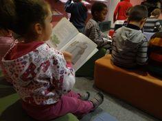 Colegio Villar y Macías. 3º de Educación Infantil (III) Hacer Escuela: El mundo de los cuentos    Fotografías realizadas a los grupos escolares y a los alumnos que han visitado la exposición.