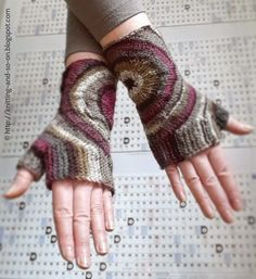 "Fingerlose Handschuhe ""Zoom-Out"": Gratis-Strickanleitung auf Deutsch ... free pattern also available in english"