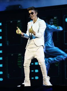 Justin gives you two thumbs up!