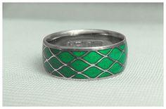Idée et inspiration bague:   Image   Description   Silver band with green enamel