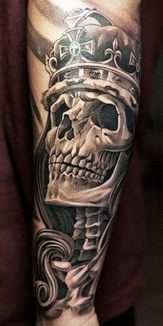 Amazing Skull In A Crown Tattoo ~ Skull Tattoo Ideas Dope Tattoos, Tattoos Masculinas, Badass Tattoos, Body Art Tattoos, Sleeve Tattoos, Mens Arm Skull Tattoos, Small Tattoos, Chicano Tattoos, Awesome Tattoos