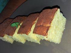 Pandispan cu lapte fierbinte sau Torta al latte caldo - NoiInBucatarie Food Cakes, Cupcake Cakes, Romanian Food, Biscuits, I Foods, Catering, Cake Recipes, Cheesecake, Good Food