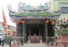 Things to do around Penang!! #Chinesetemple #Georgetown #penang #malaysia #lifebeyond9to5