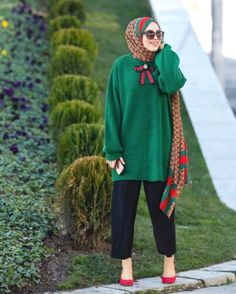Christmas green sweater hijab-Furry sleeves sweaters with hijab – Just Trendy Girls Modern Hijab Fashion, Street Hijab Fashion, Hijab Fashion Inspiration, Islamic Fashion, Muslim Fashion, Modest Fashion, Fashion Outfits, Hijab Casual, Hijab Chic