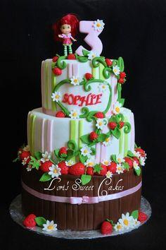 Strawberry Shortcake Cake Fondant Girl, Fondant Cakes, Cupcake Cakes, Cool Birthday Cakes, Birthday Cake Girls, 2nd Birthday, Beautiful Cakes, Amazing Cakes, Strawberry Shortcake Birthday Cake