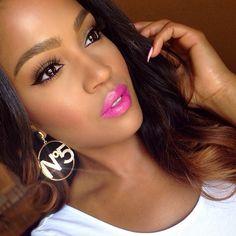 "#ShareIG Earrings from @Jaide Clothing✨ @NYX Cosmetics ""Shocking pink"" lipstick with nyx aqua ""Glory"" on center of lips. @anastasiabeverlyhills ""brunette/dark brown"" brow powder duo. @flutterlashesinc ""Cami"" lashes. #nyxcosmetics #anastasiabeverlyhills #flutterlashes #jaideclothing"