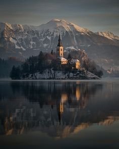Bled at sunrise /2