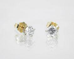 Kolczyki z diamentami.   #Sklep #Złoto-Orla #Warszawa #diamenty #kolczyki #elegancja #klasyka #piękne #wzór