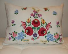 Embroidery handmade pillow Hungarian Kalocsa. by macaristanbul
