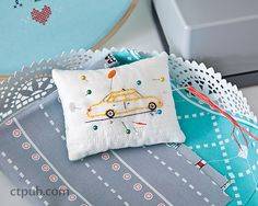 Aneela Hoey –– Happy stitching on the go! It's grown-up playtime! Choose from more than 100 original embroidery designs, hand-drawn with a modern take on retro style. Each pattern is printed on handy