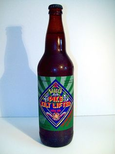 Cerveja Pike Kilt Lifter, estilo Scottish, produzida por Pike Brewing, Estados Unidos. 6.5% ABV de álcool.