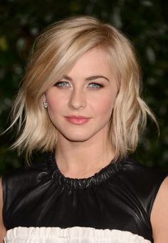 short wavy bob with long bangs | ... Hough Short Choppy Wavy Bob Hairstyle with Bangs /Getty images