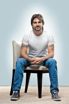 Superstar Juanes, the man behind 'La Camisa Negra,' is excited to tour United States this summer!