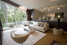Ylellinen olohuone ‹ Sisustussuunnittelija Milla Alftan