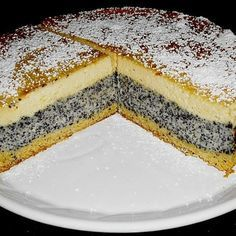 Recipe for poppy seed pies with a creamy vanilla filling and a layer of poppy seeds - 150 g flour 75 g margarine (Sanella) 80 g sugar 1 egg (s) 2 tsp baking powder liter milk 1 pack - Easy Smoothie Recipes, Easy Cake Recipes, Sweet Recipes, Snack Recipes, Snacks, Dutch Recipes, German Baking, Easy Vanilla Cake Recipe, Pumpkin Spice Cupcakes