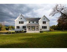 Modern Farmhouse Style | Home Construction - Modern Farmhouse style