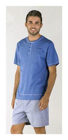 Pettrus Man pijama de manga corta y pantalón corto en colores clásicos pensado para los dias de calor de primavera y verano. Composición: 100% Algodón. #menswear #mensunderwear http://www.varelaintimo.com/40-pijamas