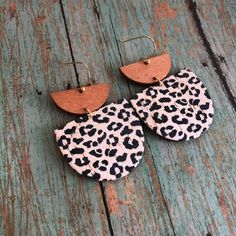 Diy Leather Earrings, Wood Earrings, Diy Earrings, Animal Print Earrings, Homemade Necklaces, Earring Crafts, White Leopard, Leather Crafts, Affordable Jewelry