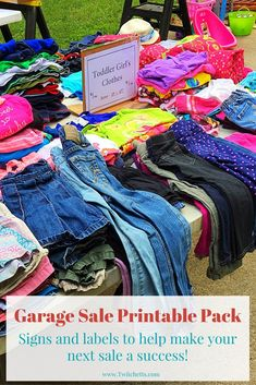 Printable Garage Sale Kit-Print these pages to help with your next garage sale. Signs for all of your tables plus labels with lots of different prices. Great help for making some extra cash at your next yard sale Yard Sale Signs, Garage Sale Signs, For Sale Sign, Garage Sale Organization, Organization Ideas, Garage Sale Pricing, Garage Clothing, Rummage Sale, Garage Kits
