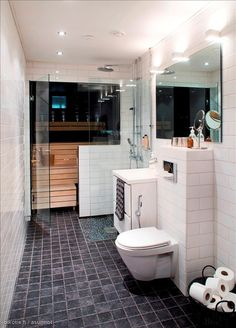 Kaikki kuvat | Oikotie Cabin Bathrooms, Laundry Room Bathroom, Bathroom Toilets, Basement Bathroom, Dream Bathrooms, Small Bathroom, Home Stairs Design, House Design, Sauna Design