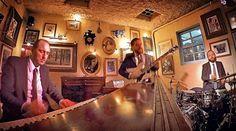 Hammond Grooves jazz organ trio @ @bistrosruella #pinheiros quinta-feira às 21h. ----------------- #hammondgrooves #ruella #show #musica #gastronomia #comidadeverdade #jazzorgan #groove #jazz #souljazz #musicabrasileira #comidasaudavel #hot #hammond #guitarra #bateria #hellskitchenbr #chef #restaurante #jornaldobairro #descanso #delicia #salmão #merengue