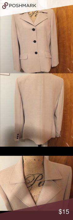 Kasper tan blazer This is a nice used condition / reposhing blazer. Size 14, no snags or stains from a pet free / smoke free home. Freshly dry cleaned. Perfect staple for your closet. No longer fits. Kasper Jackets & Coats Blazers