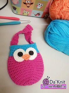 Free Crochet Pattern: My first owlie pouch! » Da'Knit ..★ Teresa Restegui http://www.pinterest.com/teretegui/