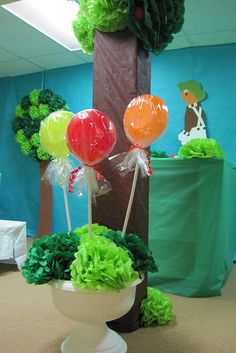 Love this idea for a Willy Wonka party! Description from pinterest.com. I searched for this on bing.com/images Willy Wonka Halloween, Halloween Candy, Halloween Themes, Chocolates, Wonka Chocolate Factory, Candy Land Theme, Candy Factory, Halloween Door Decorations, Class Decoration