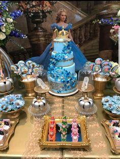 Cinderella Quinceanera Themes, Quinceanera Planning, Quinceanera Cakes, Quinceanera Decorations, Cinderella Sweet 16, Cinderella Theme, Cinderella Birthday, Cinderella Wedding, Sparkly Wedding Cakes
