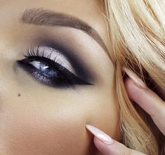 I love her eyes. I would say this eye makeup looks the best with blue eyes.