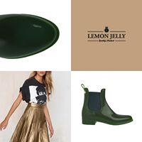 Any look looks better painted of happiness with #Comfy13 #lemonjelly #wintershoes #aw16 #ankleboot #jellybooties