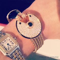 Bracelet Amulette, diamants, onyx, or jaune, Cartier.   #bracelet #cartier #amulettecollection
