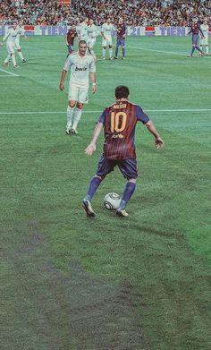 Messi And Neymar, Messi And Ronaldo, Retro Football, Adidas Football, Livescore Soccer, World Best Football Player, Cristiano Ronaldo Manchester, Soccer Backgrounds, Premier League