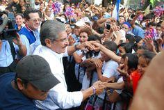 Norman Quijano futuro Presidente de El Salvador por ARENA es bien recibido en Santa Tecla.